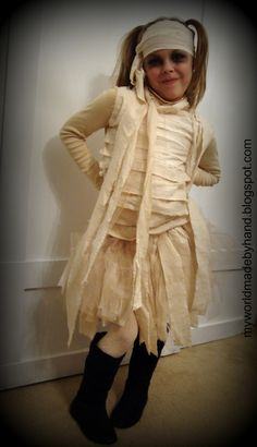DIY Halloween Mummy Costume