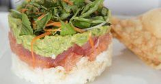 Recette de Mille-feuilles de riz, avocat, pamplemousse et saumon fumé . Facile et rapide à réaliser, goûteuse et diététique.