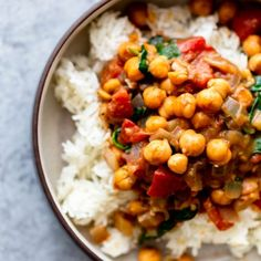 This Easy Chickpea Coconut Curry is a healthy dinner made with pantry staples. This vegan recipe is quick easy and healthy! Curry Recipes, Vegan Recipes, Vegan Food, Prosciutto Asparagus, Chickpea Coconut Curry, Red Lentil Soup, Dinners To Make, Easy Meals, Kitchens