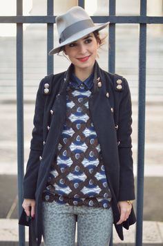 mixed prints and awesome hat