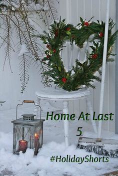 ✨Outdoor Christmas✨ love this by donnakorm Noel Christmas, Outdoor Christmas, Country Christmas, Winter Christmas, All Things Christmas, Vintage Christmas, Christmas Wreaths, Christmas Crafts, Christmas Decorations