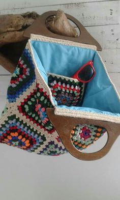 Crochet Tote, Crochet Purses, Crochet Granny, Diy Crochet, Dorset Buttons, Knitted Bags, Bag Making, Lana, Purses And Bags