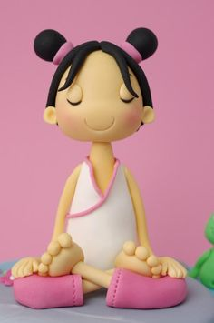 Lotus Pose : Remember that your head must be straight and the spine erect at all times. Breathe slowly and deeply. A minute or 2 with each leg on top. Cake by Madamegateau Fondant Toppers, Fondant Cakes, Cupcake Cakes, Cupcake Toppers, Polymer Clay Dolls, Polymer Clay Creations, Fondant People, Cake Models, Porcelain Dolls For Sale