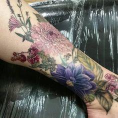 Flowers tattoo steve martin httptattoosflowerflowers flowers tattoo steve martin httptattoosflowerflowers tattoo steve martin skin is like a canvas so tattoo it pinterest steve martin mightylinksfo