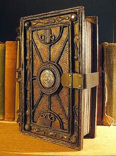 Crafts:  #Crafts ~ DIY Secret Book of Sinister Potions. Step-by-step instructions for making this from a simple papier mâché book box.