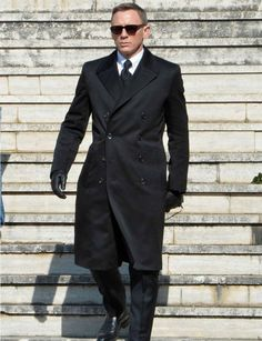 Daniel Craig wearing #greatcoat during SPECTRE Shooting