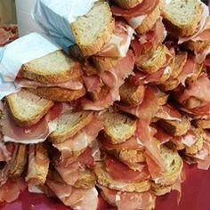 La montagna che si mangia #popcorn #internetgourmet #michelapierallini #dettofattocomunicazione #mercatodeivini #locandadimezzo