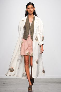 See all the Collection photos from Creatures Of Comfort Spring/Summer 2015 Ready-To-Wear now on British Vogue 2015 Fashion Trends, Fashion Week 2015, Spring Fashion, Fashion Weeks, Runway Fashion, Fashion Show, Fashion Design, Ny Fashion, Chic Outfits