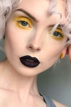 Great is the magic of black lipstick! While your friends are totally afraid of rocking it we suggest you the perfect opportunity and ideas to give in to the trend!#lips#makeup