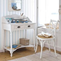 bureau en bois newport maisons du monde maison. Black Bedroom Furniture Sets. Home Design Ideas