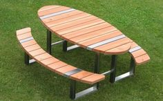 Large picnic table - with benches Diy Outdoor Furniture, Deck Furniture, Steel Furniture, Unique Furniture, Furniture Design, Round Picnic Table, Outdoor Picnic Tables, Welded Furniture, Industrial Furniture