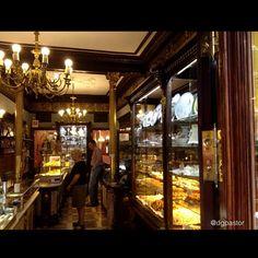 Pastelería El Riojano, Madrid Photo by dglezpastor