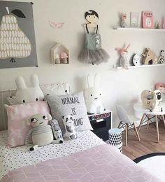MATERIALES NATURALES  En la habitación infantil conviene utilizar materiales naturales y de gran calidad como la madera noble, el algodón, etc. Niños cool   Ventas en Westwing