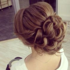 35 New Wedding Hairstyles to Try - MODwedding