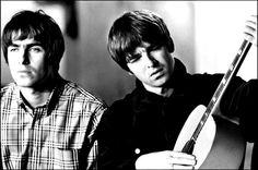 """Além dos sucessos """"Whatever"""", """"Don't Look Back In Anger"""" e """"Wonderwall"""", músicas da Beady Eye e do Noel Gallagher's High Flying Birds estarão no repertório"""