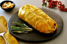 Spoil your vegan friends and family with this rich and savory vegan roast wellington stuffed with mushrooms, eggplant, quinoa and lentils. Vegan Christmas, Vegan Thanksgiving, Vegan Vegetarian, Vegetarian Recipes, Cooking Recipes, Vegan Meals, Vegan Food, Vegan Wellington, Vegetable Wellington