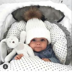 22 Unforgettable Baby Names Cute Little Baby, Lil Baby, Baby Kind, Little Babies, Baby Boy Newborn, Baby Outfits, Future Mom, Foto Baby, Cute Baby Pictures
