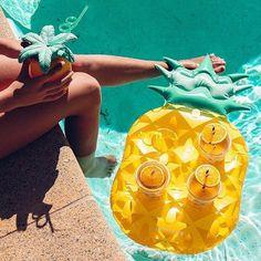 Porte-verre gonflable #ananas #Sunnylife #fun #summer #summerlife #swimmingpool #holidays #vacances #ete2017