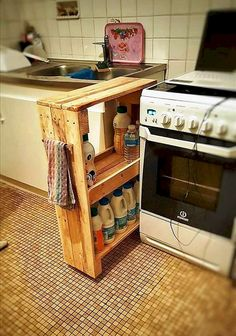 Cheap and creative storage hacks for small apartments (39)