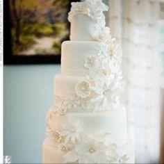 Gorgeous wedding cake with flowers