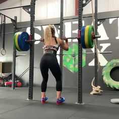 Fitness tips, routines and guide on how to start a perfect strength training. We also have fitness products to keep you in track of your goals! Free Fitness, Fitness Life, Fitness Goals, Fitness Motivation, Nike Workout Gear, Workout Gear For Women, Pinterest Workout, Front Squat, Muscle Training