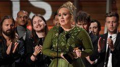 """Lễ trao giải Grammy lần thứ 59 diễn ra ở Trung tâm Staples, Los Angeles, California, Mỹ (tức 8h sáng 13/2, giờ Hà Nội). Adele vượt qua Beyonce ở ba hạng mục quan trọng nhất:""""Ca khúc của năm"""", """"Ghi âm của năm"""" cho đĩa đơn Hello và """"Album của năm"""" với..."""
