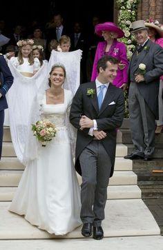 Princess Alix de Ligne and Count Guillaume de Dampierre, June 2016 Royal Wedding Gowns, Royal Weddings, Elegant Wedding Dress, Wedding Dresses, Adele, Beyonce Pictures, Royal Tiaras, Royal Jewels, Beauty And Fashion