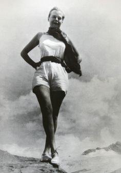 Charlotte Perriand — † 1903 - 1999 (mvmt moderne)