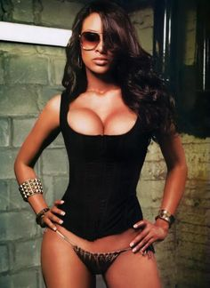 #sexy #sunglasses #beautiful  http://www.theeroticwoman.com