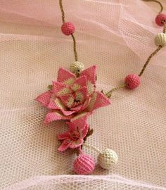 Pink and White Flower Necklace teBig Pink Rose by needlecrochet