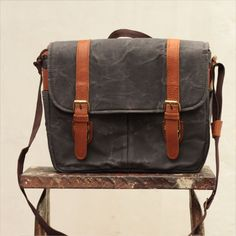 Finally! A camera bag that looks as good a the pictures you take. Gouache Light Brown camera bag is designed for photographers and artists who are looking for alternatives to traditional camera bag...