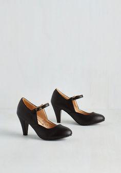 Versatile Chorus Bridge Heel in Black $39.99 AT vintagedancer.com