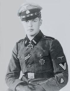 """Gerardus Mooyman --- Dutch volunteer from SS-Panzerjäger-Abteilung 23 """"Nederland"""". Last rank: SS-Untersturmführer der Reserve."""