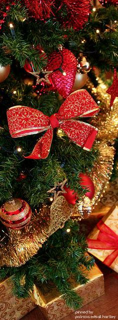christmas.quenalbertini: Christmas Tree