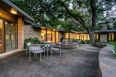 5,000 sq ft Mid Century Modern house for sale in Dallas