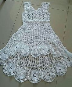 new Ideas for vintage crochet fashion wedding dresses Crochet Halter Tops, Crochet Tunic, Crochet Clothes, Crochet Lace, Crochet Wedding Dresses, Wedding Dress Styles, Vestidos Bebe Crochet, High Low Lace Dress, Diy Crafts Crochet
