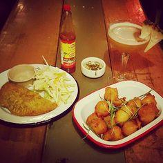 Vegie Curry Pattie with Salt Fish Fritters and a Trenchtown Daiquiri  #bigup #jamtownmanlybeach #jamaicanfood #jamaicanrum #manlybeach #cocktails #jamaica #lovemanly #blessup  #carribeanfood #chillisauce #northernbeaches #sydneyeats #sydneybars #sydneyfood #sydneydrinking #reggae #ska #rocksteady #dub #sydney #islandfood #yardfood #caribbeanfoodporn #jamaicanrestaurant by jamtownmanlybeach