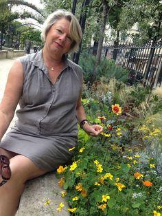 Le blog de Danièle Festy, pharmacienne qui a publié de nombreux ouvrages sur les huiles essentielles. Et pour retrouver mon ode à Danièle Festy, c'est ici : http://johnniebeetroot.com/2014/07/31/vive-la-rhum-therapie-hommage-a-daniele-festy/