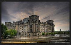 GERMANY: Reichstag building in Berlin