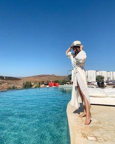 "Titi Velopoulou on Instagram: ""A weekend getaway is always a good idea! * * |#idiscover #Kea #Tzia #aigissuites #hotel #myfav #boutiquehotel #bestgreekhotels #tamemethere…"" Weekend Getaways, Best Hotels, Good Things, Beach, Instagram, Weekend Trips"