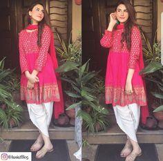 Pakistani Frocks, Pakistani Outfits, Indian Outfits, Indian Attire, Indian Ethnic Wear, Kurta Designs, Blouse Designs, Pakistan Fashion, Desi Clothes