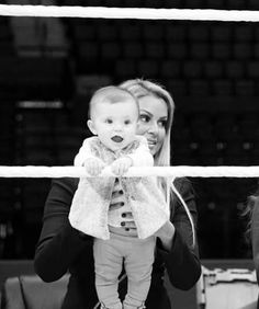 Maryse with her daughter Monroe Sky Mizanin The Miz And Maryse, Maryse Ouellet, Wwe Live Events, Total Divas, Roman Reigns, Wwe Superstars, Strong Women, Growing Up, Twins