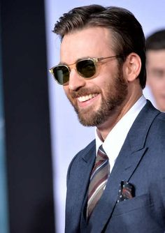 Chris Evans In Captain America Red Carpet (3-13-14)