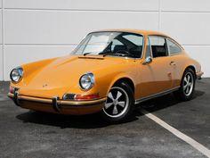 1969 Porsche 911 S Coupe – Bahama Yellow