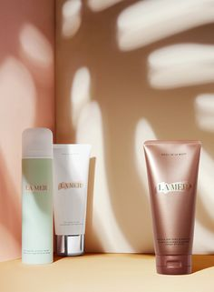 From polishing to protecting to prolonging the afterglow, discover everything under the sun to make your golden transformation at LaMer.com.