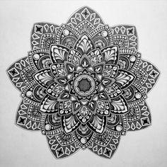 40 Printable Mandala Patterns for Many Uses - Bored Art Mandala Doodle, Henna Mandala, Mandala Art Lesson, Mandala Tattoo Design, Mandala Drawing, Zentangle Patterns, Mandala Pattern, Zentangles, Coloring Book Art