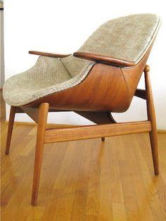 Danish Modern Bent Ply Clamshell Chair Plywood Shell settee by Hans Wegner Danish Furniture, Plywood Furniture, Vintage Furniture, Cool Furniture, Furniture Design, Danish Modern, Mid-century Modern, Post Modern, Mid Century Modern Design
