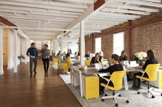 Grow Shoot Downstairs WorkArea People 700x466 Inside Grow Marketings New San Francisco Offices