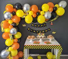 Diy Garland, Balloon Garland, Balloons, Balloon Backdrop, Balloon Columns, Flower Backdrop, 2nd Birthday Party Themes, Boy Birthday, Birthday Banners