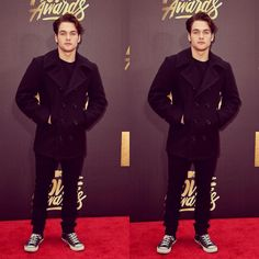 Dylan Sprayberry was definitely on my bested dressed list this MTV Movie Awards.